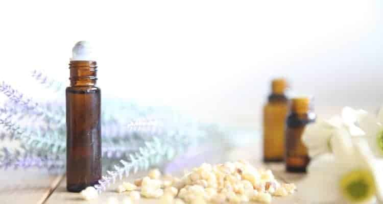 ESSENTIAL OILS FOR PAIN DUE TO TEETHING