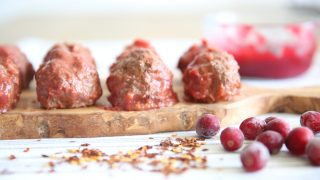 PALEO MEATBALLS WITH CRANBERRY CHILI SAUCE APPETIZER