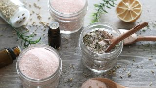 How to Make Your Own Seasoning Salts with Essential Oils