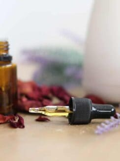 The best essential oils for stress, anxiety, fear, and anger.