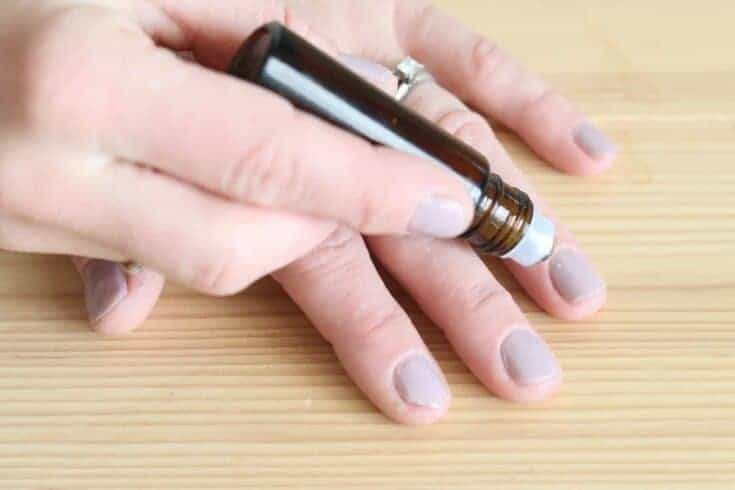 Essential Oil Roller Bottle for Healthy Finger Nails