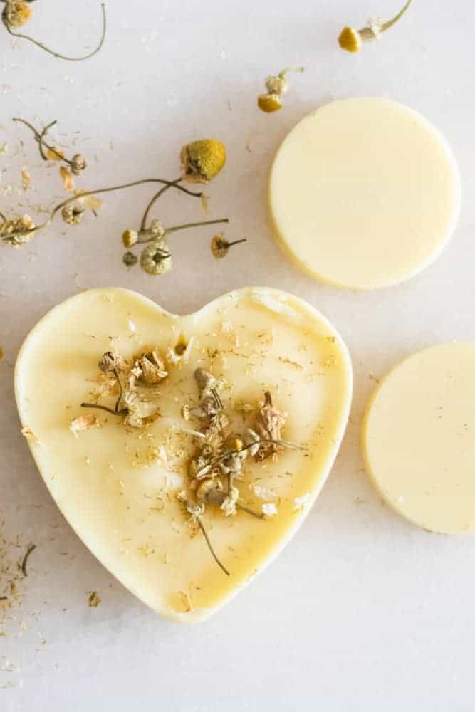 heart shaped wax air freshener with dried flowers